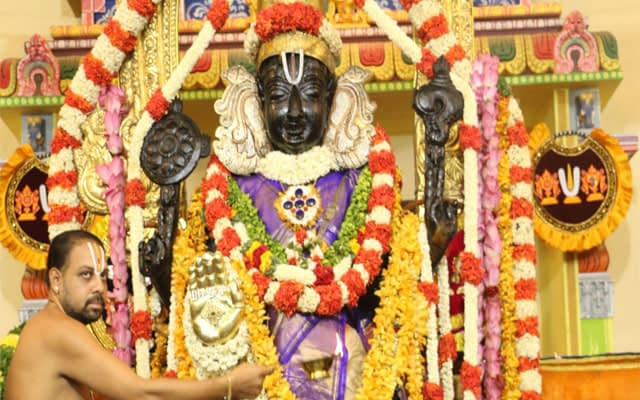 Athi Varadar: The deity who gives darshan once in forty years 1